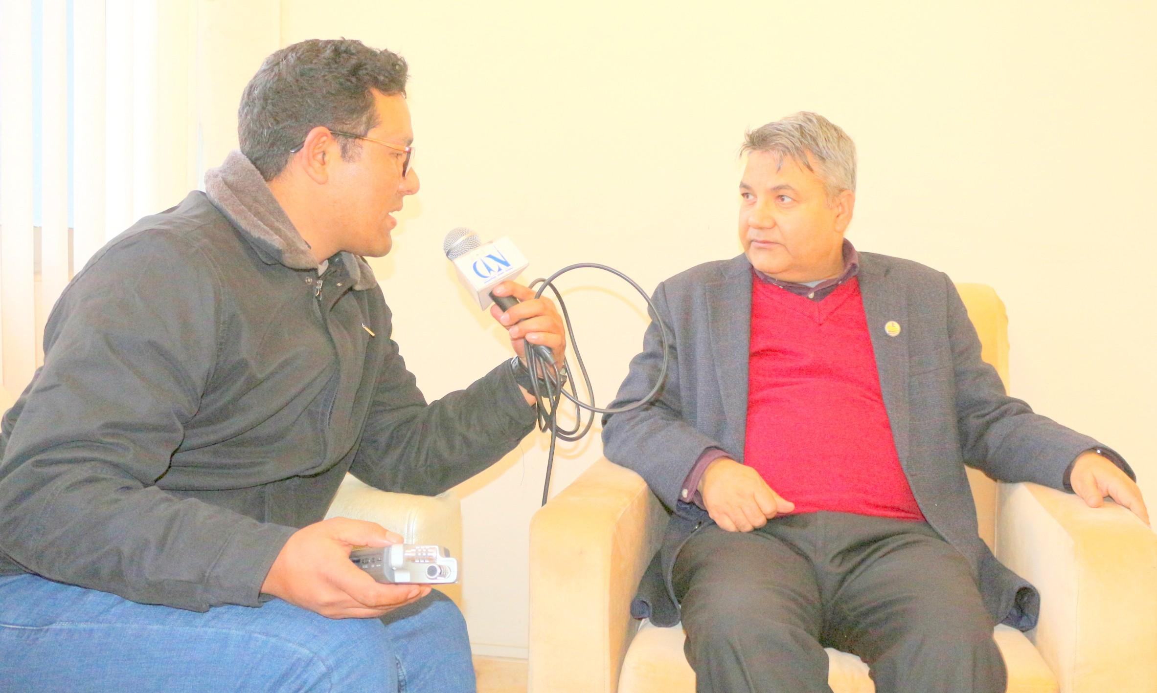 सञ्चार तथा सूचना प्रविधि मन्त्री गोकुल बास्कोटा सीआईएनसँग कुराकानी गर्दै । तस्बिरः राजन रुचाल